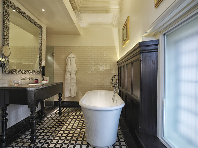 Bathroom at Boutique Hotel Lalit in London